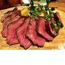 牛1頭から4キロ程しかとれない希少部位「ランプキャップ」のステーキ230グラム(1800円)