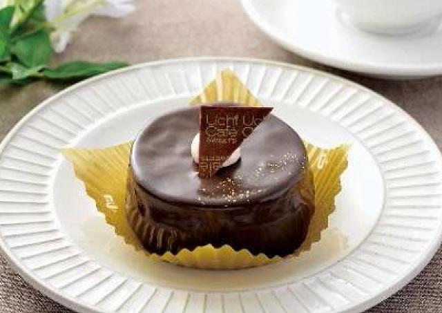 ローソンから「お試しサイズのXmasケーキ」発売 人気の3品を試食しましょ