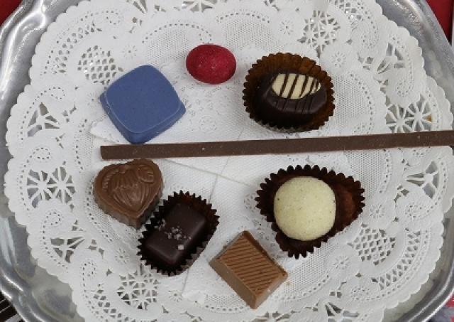 世界中から集めた「幸福のチョコレート」のお披露目会 日本初上陸の最新チョコをレポート