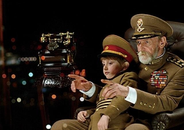 映画「独裁者と小さな孫」/国民を平気で処刑する大統領は、クーデターで初めて自分の悪評を聞く