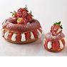 シュー生地でクリームとイチゴをサンドしたグ人気のパリブレストには、今年からホールサイズ(12センチ、2860円)が仲間入り