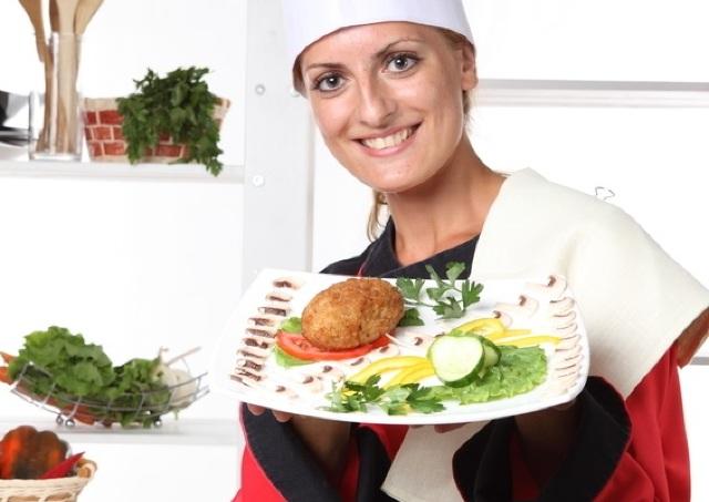 太りたくなかったら見てはいけない... レストランの○○な店員が持つ恐ろしい「魔力」