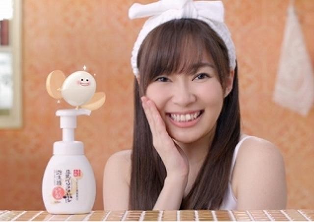 忙しい朝におすすめ!ワンプッシュでもっちり泡が出てくる「豆乳イソフラボン」洗顔