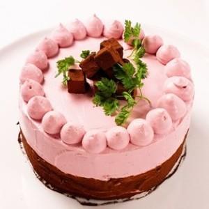 どう見ても「ケーキ」にしか見えない... 美しすぎるサラダ、銀座グランドホテルに登場