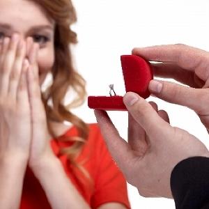 半数以上の男女がアリと答えた「交際0日結婚」 即結婚に持ち込む条件は?