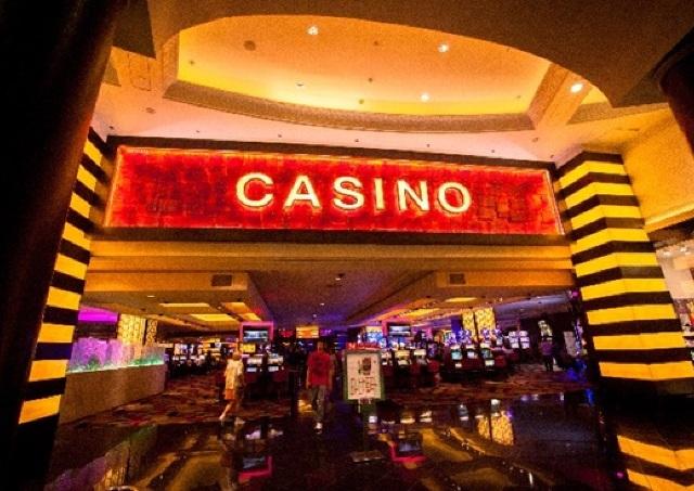 「ふたご座」の金運アップアドバイス ~スリル大好き! ギャンブルにはまる危険大~