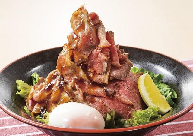 まるで肉のタワー! 炙りローストビーフ2倍の夢庵「肉の日」キャンペーン