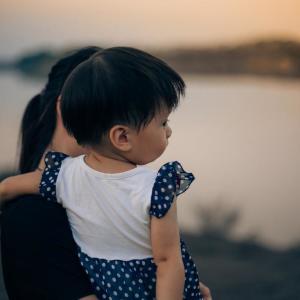 仕事以外の託児はあり? 「考えたこともない」と「お互いのためにいい」が真っ二つ