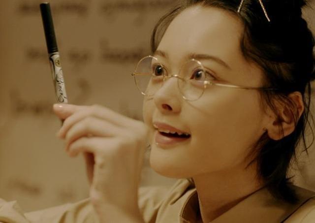 玉城ティナが地味なすっぴん少女から大変身! どんどんかわいくなる魔法のピタゴラ装置動画