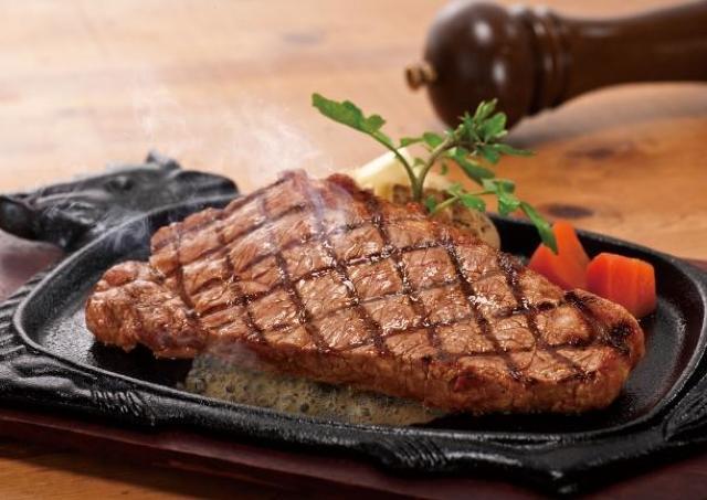 胸アツ! フォルクスの熟成サーロインステーキ3800円で食べ放題 11月もやってます