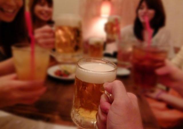 喜べ!時代は「酒豪女子」モテ期に突入 10杯以上飲んでもどんどんモテるよ