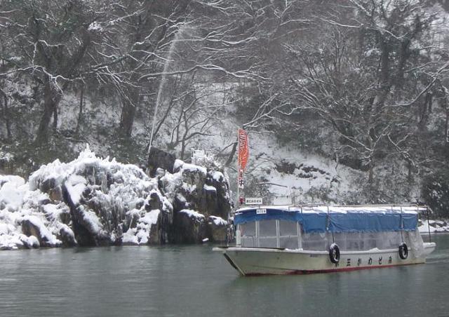 「こたつ舟」で阿武隈川をぬくぬく周遊