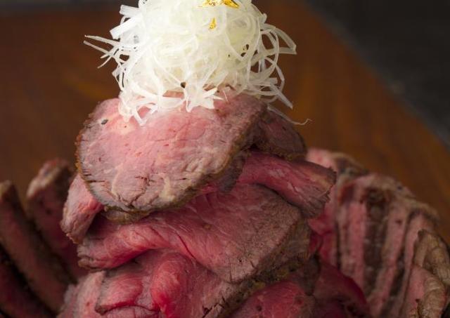 肉600グラムの「モンスター丼」に「門松パンケーキ」 正月から六本木ヒルズが楽しそうだー!