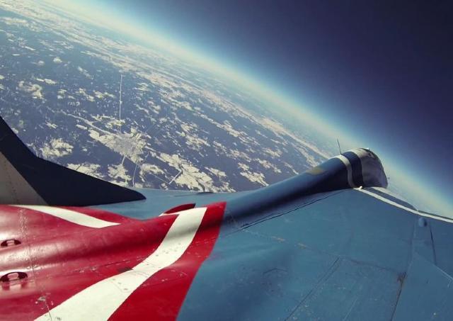 MiG29戦闘機に乗って成層圏から地球を眺めよう 六本木ヒルズ、注目の「福袋」