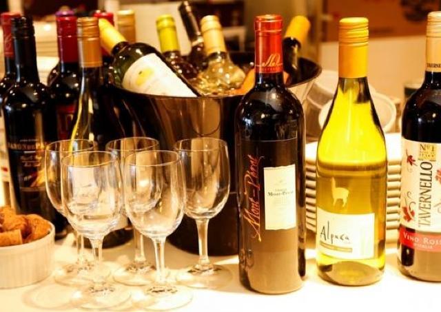 1480円でワイン30種が時間無制限飲み放題! 2月は高級シャンパン「ヴーヴ クリコ リッチ」も