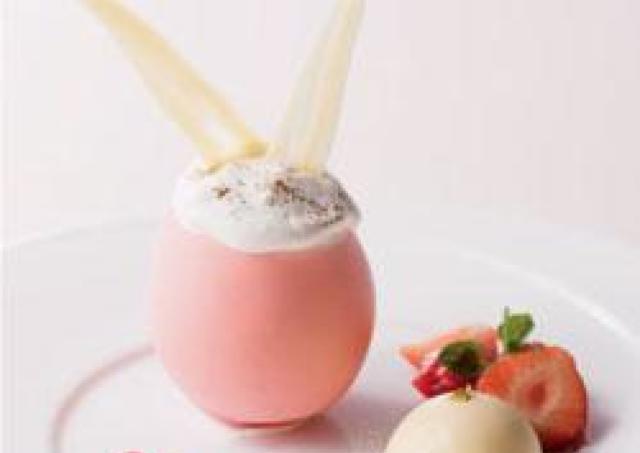 ウサギの耳つき卵型チョコレートの中は... めちゃかわイースタースイーツ
