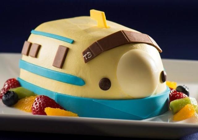 見ると幸せになれる? 「ドクターイエロー」のケーキでお祝い