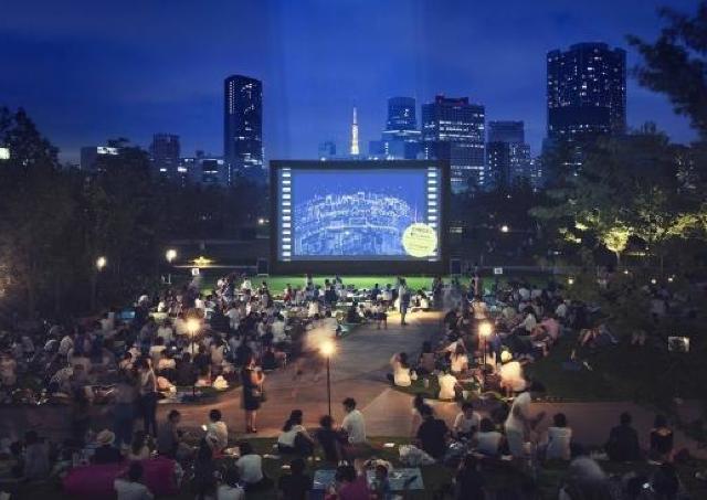 芝生の巨大スクリーンで「ジュラシック・ワールド」を観よう 品川シーズンテラスの野外シアター