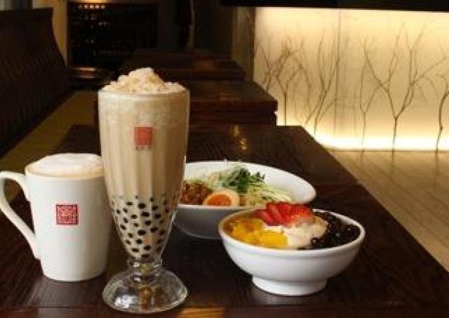 タピオカミルクティー発祥の台湾カフェ「春水堂」博多初出店