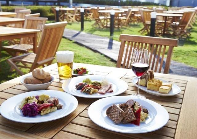 ゴールデンウィークはリゾート感あふれる開放的な屋上ガーデンでBBQブッフェ!
