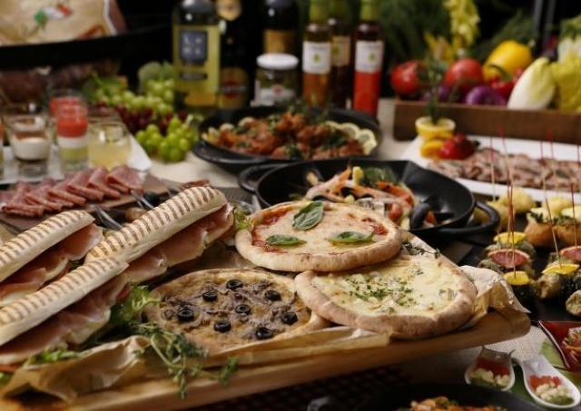 イタリア各地の美食が集結!ブッフェスタイルで存分に楽しもう