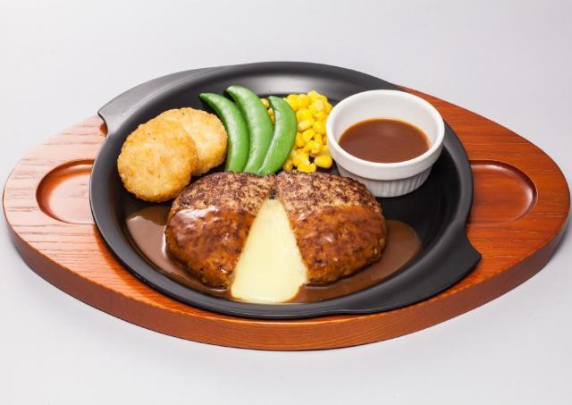 ガスト看板メニューが特別価格に 「チーズINハンバーグ」が399円!