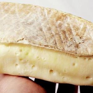 盲点だった...! イギリスではチーズと一緒にアレを飲むのが定番らしい