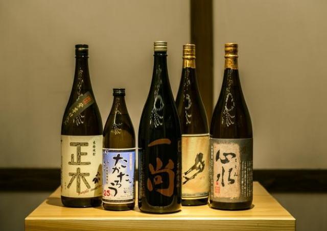 佐藤、村尾もどうぞ! 割烹居酒屋で「生ビール&焼酎飲み放題」990円企画