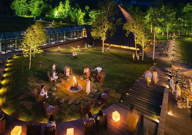 今年はチーズビュッフェが登場! 星野リゾートトマムで「焚き火ワインバー」