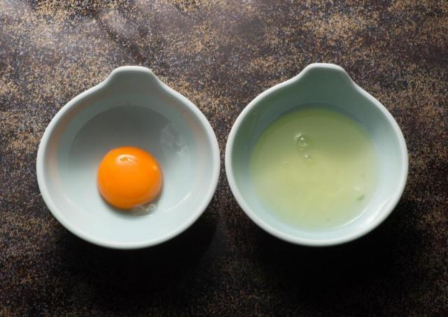 余った卵白が絶品メシに転生! 困ったら作るべき卵白レシピ3選