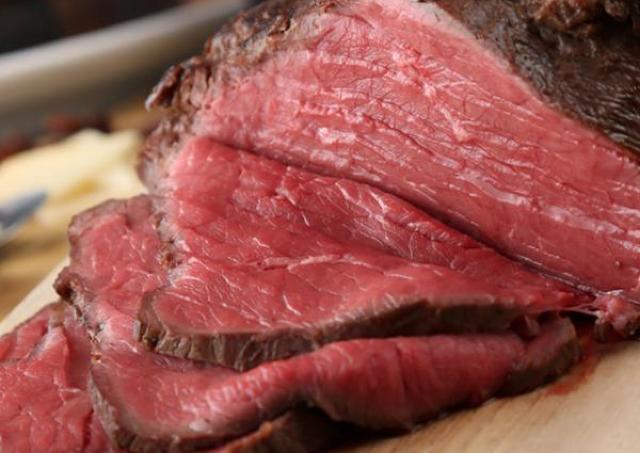 1500円で最強の肉祭り ローストビーフ&ポーク&ピンチョスが食べ放題