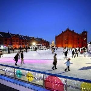 幻想的なスケートリンク、横浜赤レンガ倉庫に今年も登場!