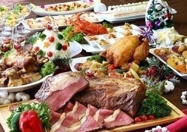 数々の肉料理を用意! 3日間限定のクリスマスディナーブッフェ