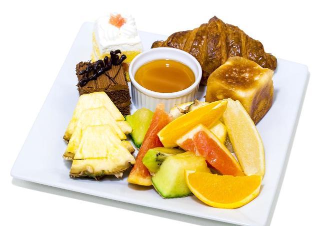 旬フルーツ・焼きたてパンが食べ放題! 恵比寿の500円ビュッフェが素敵