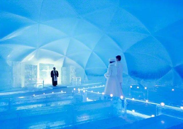 氷の街で幻想的な体験を 星野リゾートトマムで「アイスヴィレッジ」