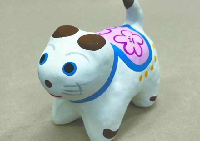 世界にひとつだけの犬張子 職人の指導で絵付けに挑戦