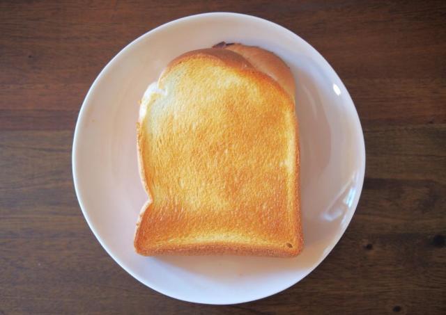 控えめに言って幸せの味。セブンの「金の食パン」が超贅沢...!