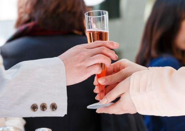 スパークリングワイン、無料提供! 東京ミッドタウンで春イベント