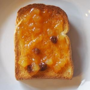 成城石井のジャム、トーストが一瞬でアップルパイ化するぞ...