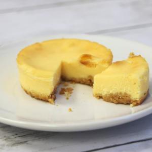 あ、美味しい。ローソンの新チーズケーキが超濃厚です。