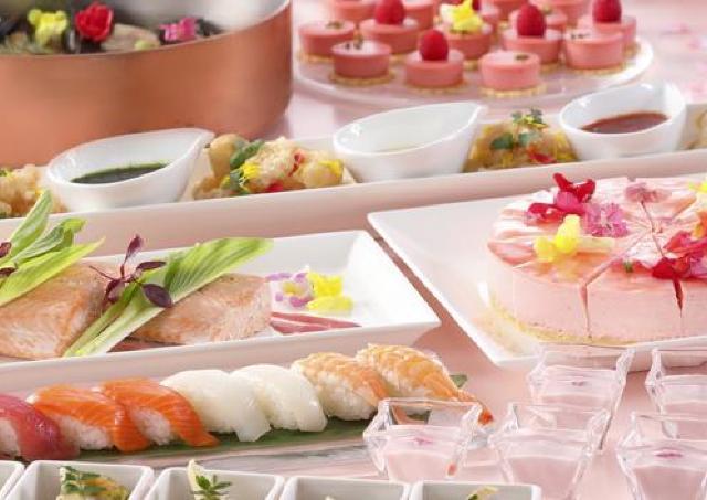 海老やサーモン、桜スイーツ... 彩り美しいメニュー満載の「桜花爛漫ビュッフェ」開催中
