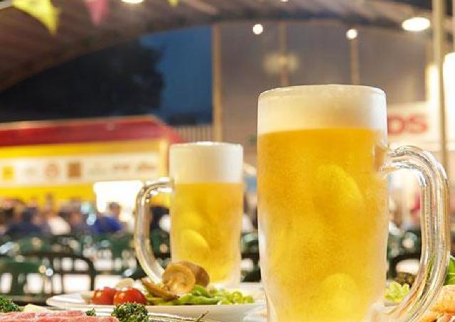 美味しいBBQと樽生ビールをどうぞ! 屋上ビアガーデン今年も出現