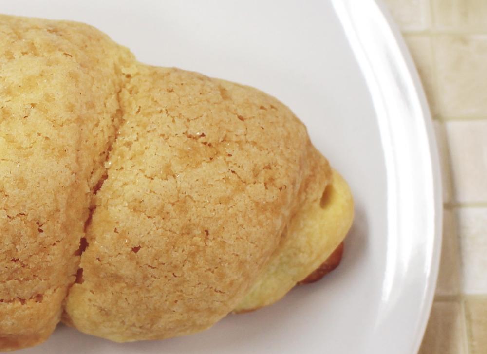 セブンから超ハイブリッドな菓子パン登場! 「最強トリオ!!」「未知との遭遇」
