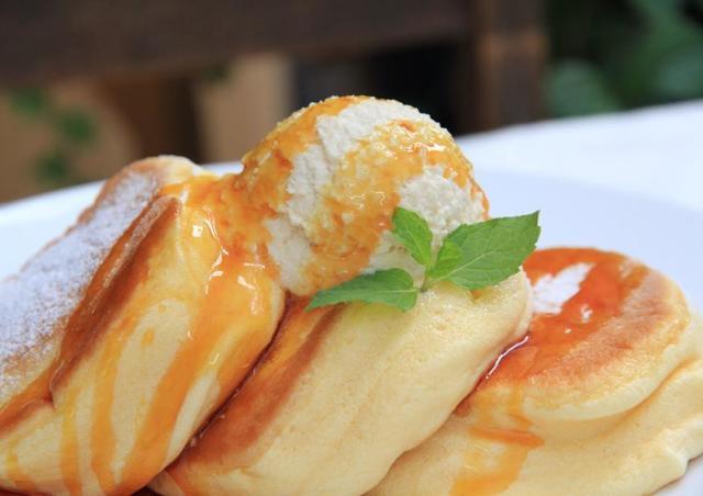 ふわふわ食感が魅力!「幸せのパンケーキ」都内6号店目がオープン