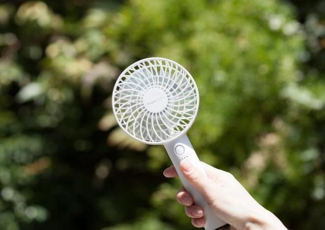 Francfrancにある「ミニ扇風機」がバカ売れ中! 「最強」「そりゃ人気出る」