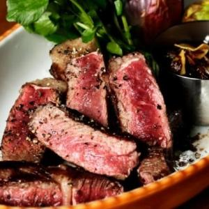 アンガス牛ステーキが食べ放題! リーズナブルなビュッフェレストランが誕生。
