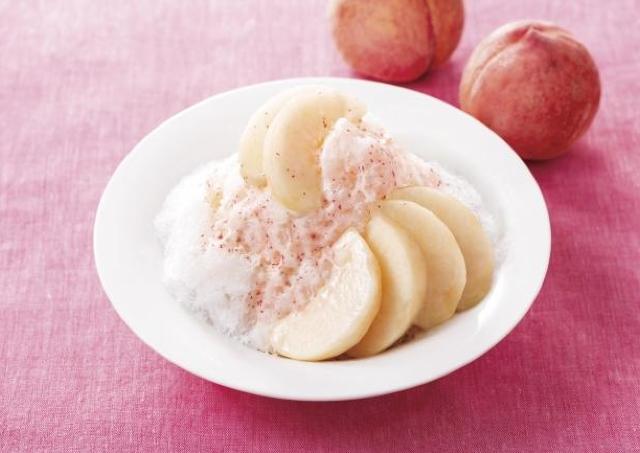 デニーズで桃祭り!まるごと1個使った「かき氷」が超贅沢...