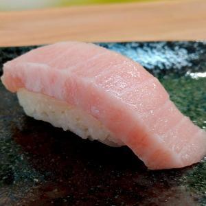 【100円】くら寿司、最高コスパの「熟成 激大とろ」を3日間だけ提供。