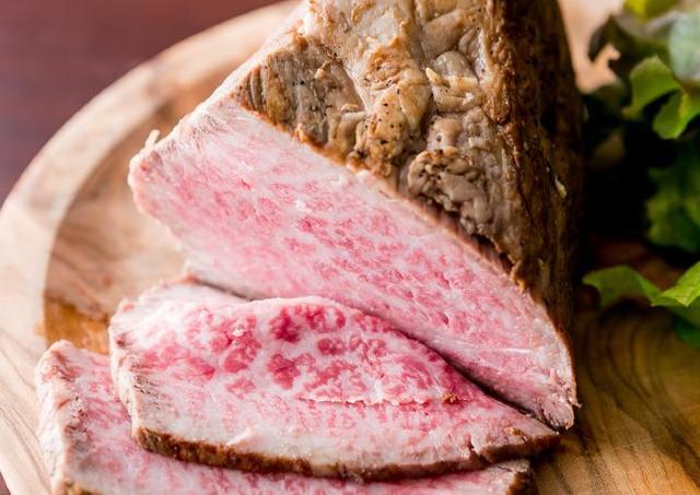 麻布十番で肉食べ放題1290円! ローストビーフ、生ハム好きなだけ...