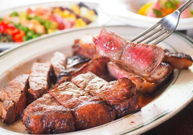 俺のシリーズ初! ステーキがリーズナブルに味わえる「俺のGrill」誕生
